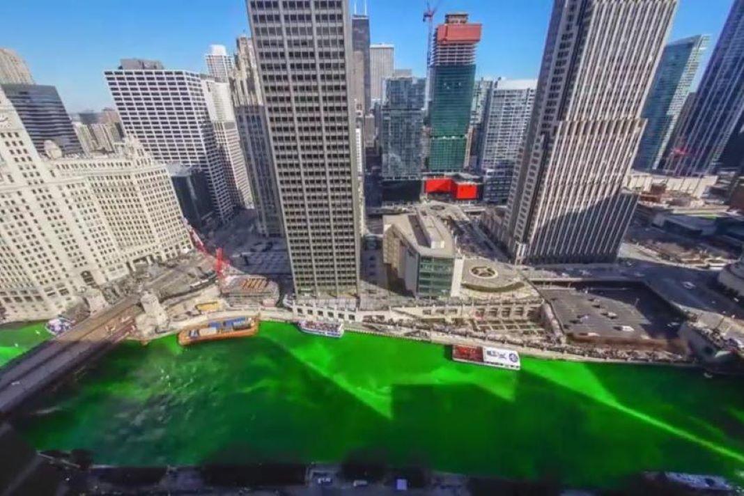 Río Chicago teñido de verde en San Patricio