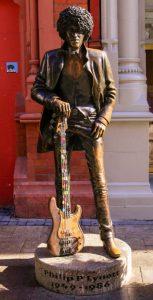 cervecerías en Dublin estatua de Phil Lynott