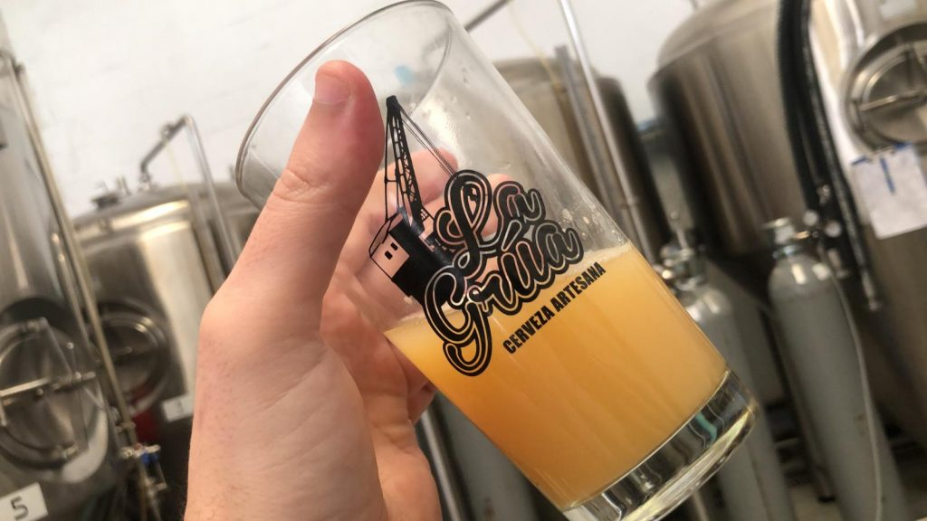 cervezas la grúa